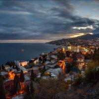 Крым,Ялта вечерняя :: Виталий Нагиев