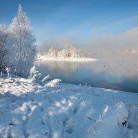 На берегу парящей реки :: Анатолий Иргл