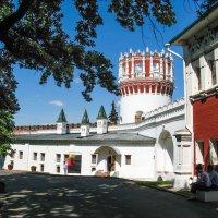 Новодевичий монастырь :: Владимир Безбородов