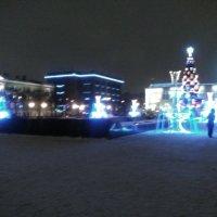 Новогодняя площадь перед Финляндским вокзалом. :: Светлана Калмыкова