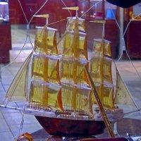 Кораблик-сувенир :: Вера Щукина