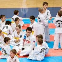 Кому каникулы, а кому интенсивные спортивные сборы под руководством чемпиона Мира. :: Дарья Казбанова