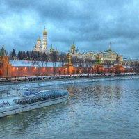 Вид с моста :: Ирина Крохмаль
