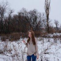 """Подобно Катерине из """"Грозы"""" стоим на обрыве перед замерзшей Волгой :: Оля Сухинина"""