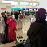 В аэропорту Гонконга :: Асылбек Айманов