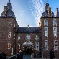 Вход в замок Хунсбрук, Голландия :: Witalij Loewin