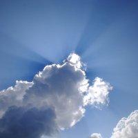 Что там за облаком ? :: Андрей Кротов