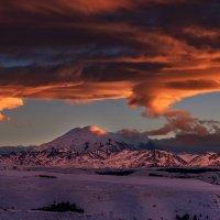 Закат над Эльбрусом :: Александр Хорошилов