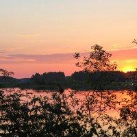 Красивый вечер на Волге. :: Владимир Безбородов
