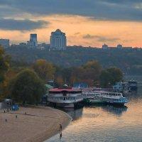 Осенью в Гидропарке :: Людмила Зайцева