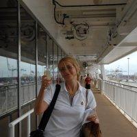 По бокалу вина за начало путешествия! :: Одиноков Юрий
