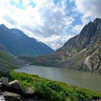 Озеро, h - 3300м. :: Виктор Осипчук
