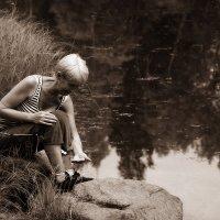 Играющая с бобочкой :: Екатерина Торганская