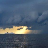 Скоро грянет буря! :: GalLinna Ерошенко