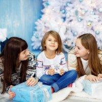 Три сестры :: Александр и Лариса Коноплины