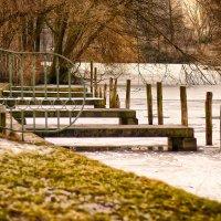 Маленький причал в парке :: Татьяна Каримова