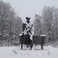 Памятник Сергею Рахманинову. Весь в снегу! :: Татьяна