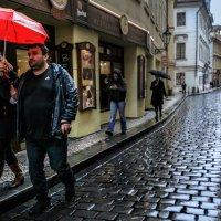 Красный зонт :: Eugene *