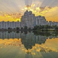Дом восходящего солнца :: Валерий Кишилов
