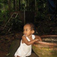 Маленькая куколка из лесной деревушки. :: Лариса (Phinikia) Двойникова