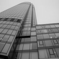 бетон ,стекло, металл :: Константин