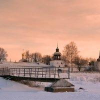 Толгский монастырь, морозный рассвет :: Николай Белавин