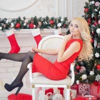 Снегурочка в красном :: Oksana Likhadziyeuskaya