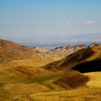 Долина в отрогах Киргизского хребта, начало осени :: GalLinna Ерошенко