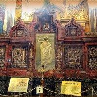Южный киот храма Спас-на-крови :: Вера