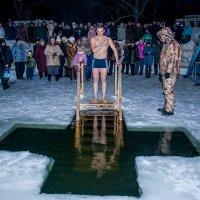 Крещенские купания :: Анна Вязникова