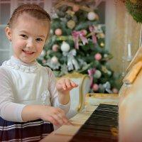 И почему детки обожают фортепиано ? :) :: Павел Прозоров