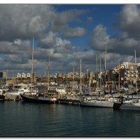 Мой город у моря. :: Leonid Korenfeld