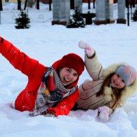 Синхронное плавание в снегу... :: Анна Шишалова