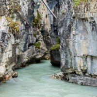 река в каньоне :: Константин Шабалин