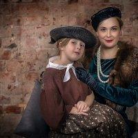 Девочка с мамой :: Виктор Седов