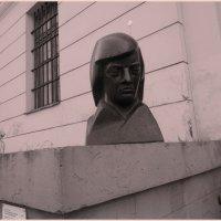 Скульптурный портрет Раймонда Паулса :: Вера