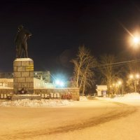 Памятник Г. П. Кунавину :: Дмитрий Костоусов
