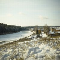 Зима окутала снотворным реку. :: Лара Гамильтон