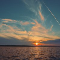 Летний вечер на Нововоронежском водохранилище :: Юрий Клишин