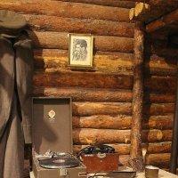 Вьется в тесной печурке огонь.... :: Tatiana Markova