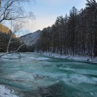 По старому льду. :: Валерий Медведев