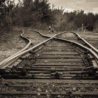 Налево всегда почему-то дорожка кривая.... :: Михаил Васильев
