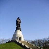 берлин трептов парк памятник воину освободителю :: Сергей Тумарев