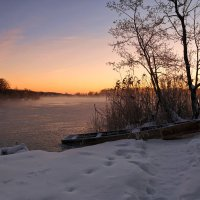 Рассвет на озере. :: Анатолий 71