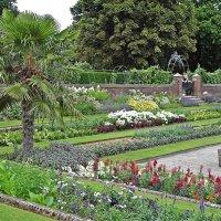 Парк Кенсингтонского дворца.! :: Виталий Селиванов