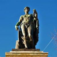 Скульптура Флора-богиня полей и цветов... :: Sergey Gordoff