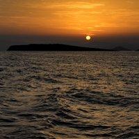 Закат в эгейском море :: Владимир Брагилевский
