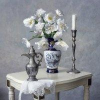 Натюрморт с белыми тюльпанами :: Ирина Приходько