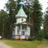 Часовня в лесу. :: Ольга Васильева