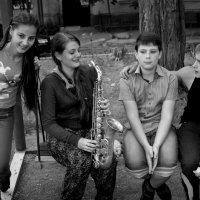 Попытка игры на саксофоне... :: Сергей Порфирьев